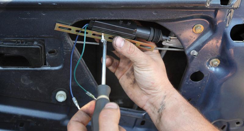 BMW Mechanic Repairing Door Lock